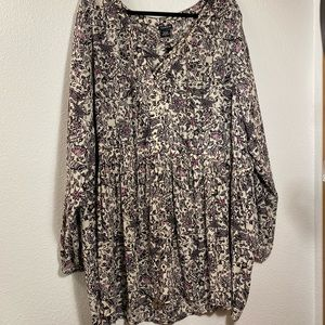 NEW Torrid 5 Plus 5X Floral Tunic Blouse